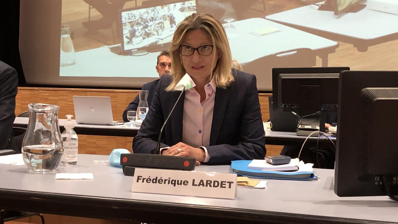 Première femme présidente du Grand Annecy, Frédérique Lardet affichait une émotion et une joie toute retenue au moment de son élection.