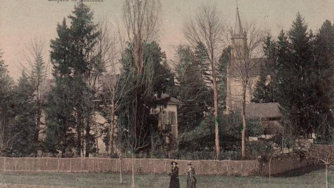 La chapelle de Monthoux au début du XX e  siècle, érigée en 1863 en souvenir du château et de la famille de Monthoux.