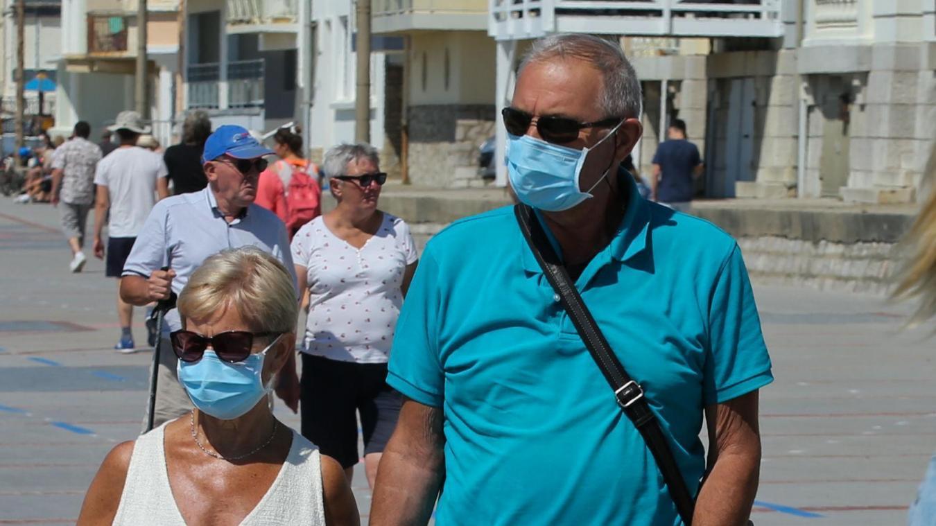 Touristes et locaux vont pouvoir se faire dépister sur le Pâquier, à Annecy, jeudi 30 juillet.