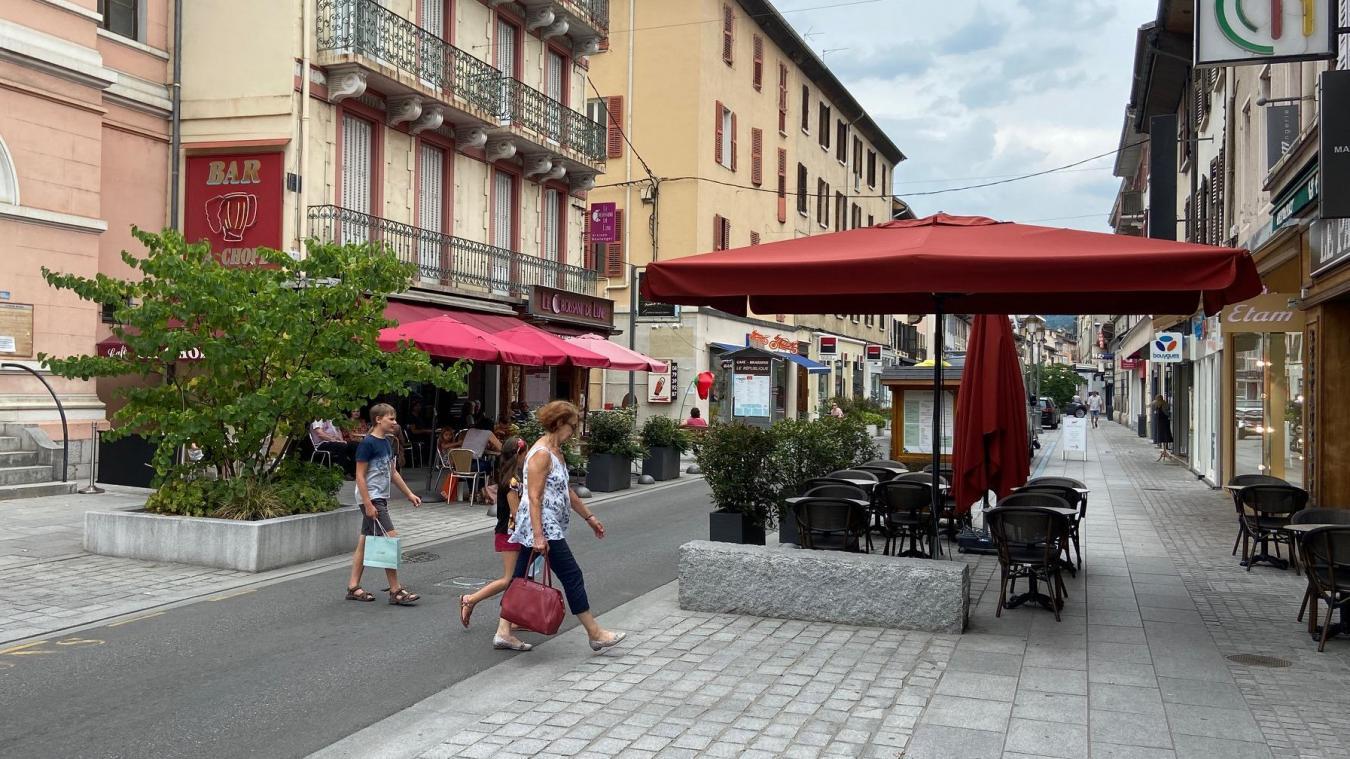 La rue de la République est reservée aux piétons tous les samedis à partir de midi, du 27 juin au 30 août.