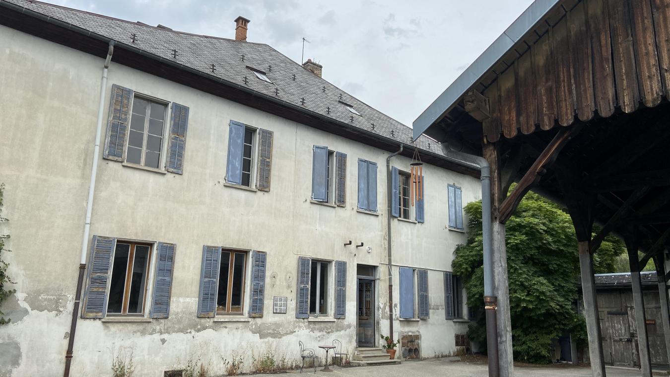 L'ancienne école va conserver son aspect extérieur, mais va être ravalée.