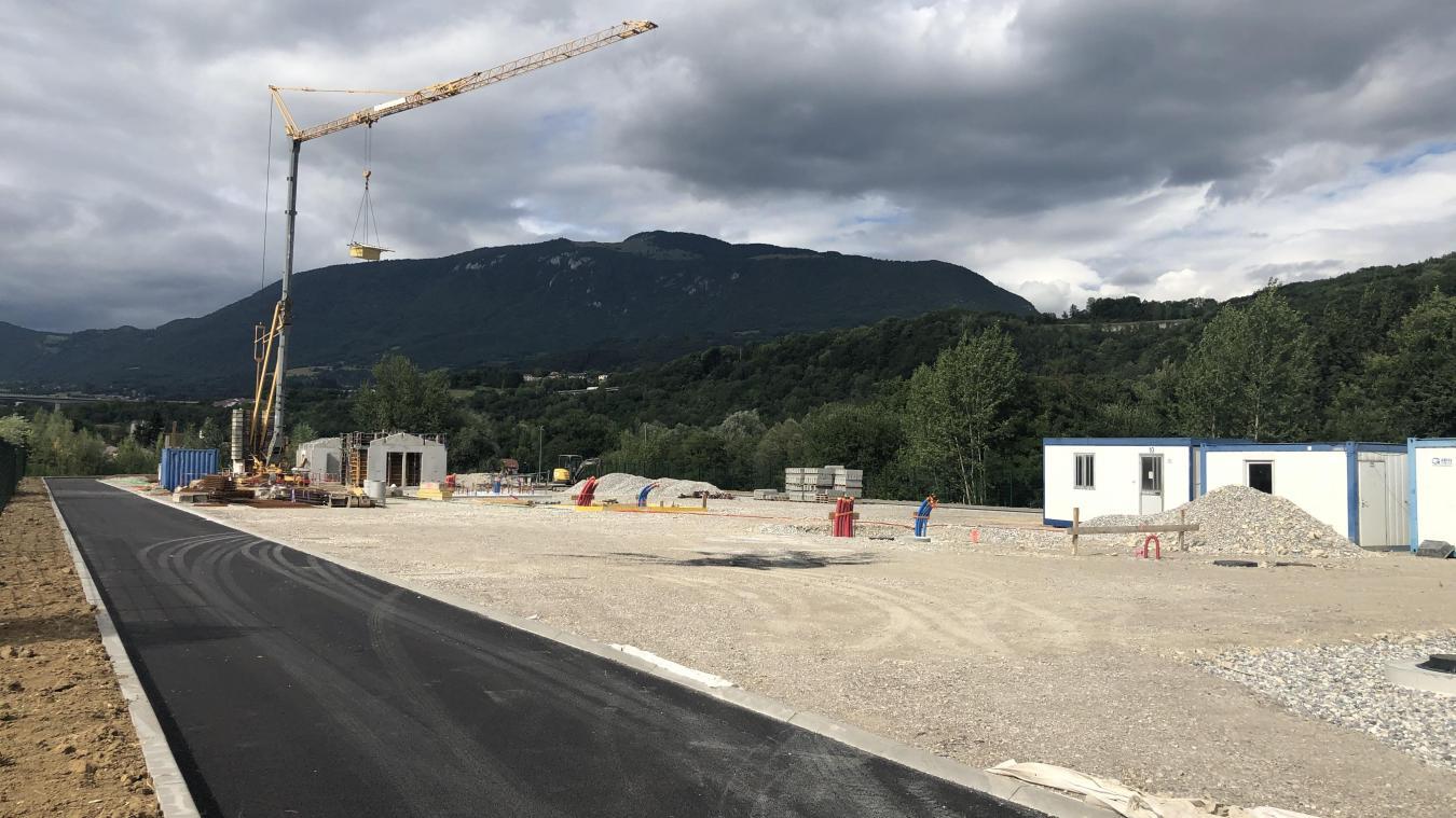 L'aire d'accueil définitive, basée à Arlod, à quelques mètres du stade Roger-Petit, devrait être opérationnelle en novembre prochain.