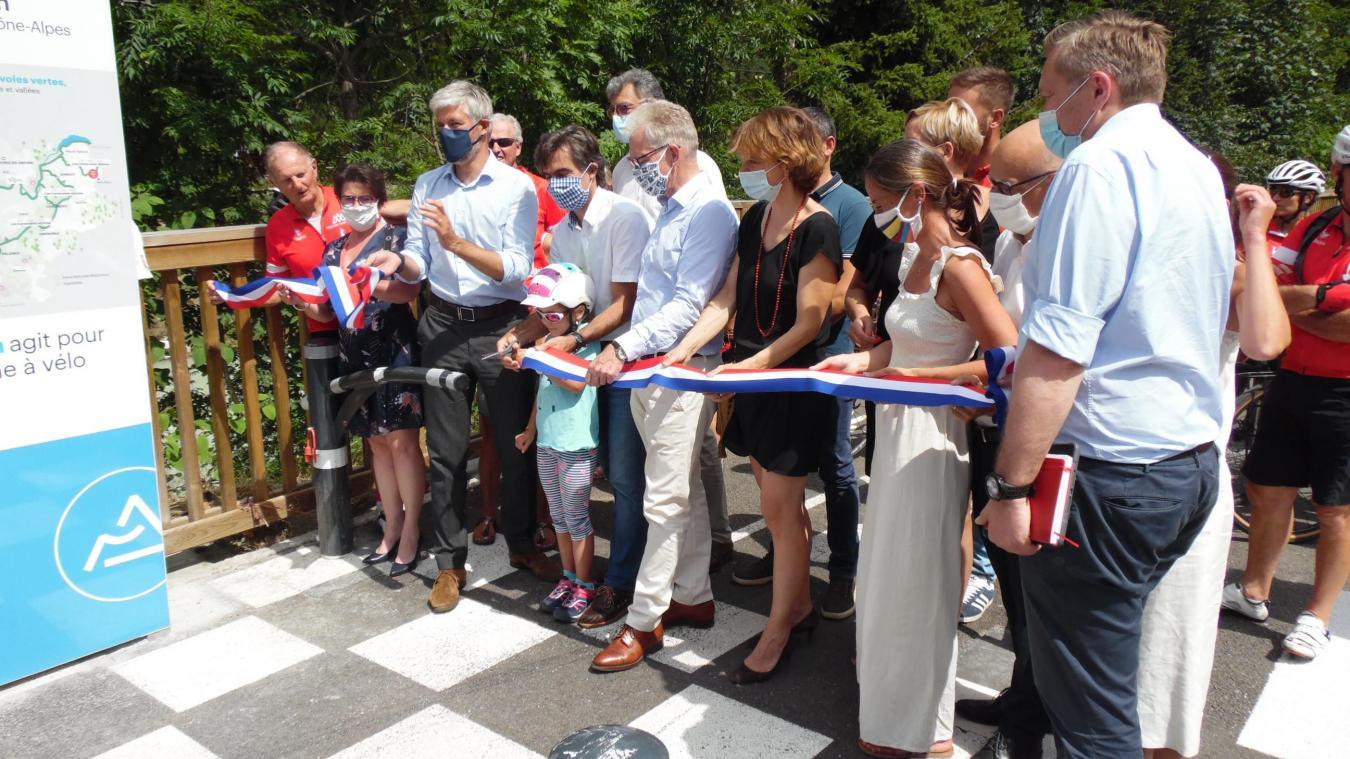 (PHOTOS) Chamonix: inauguration de la piste cyclable entre le pont des Gaillands et le carrefour d'Entrèves