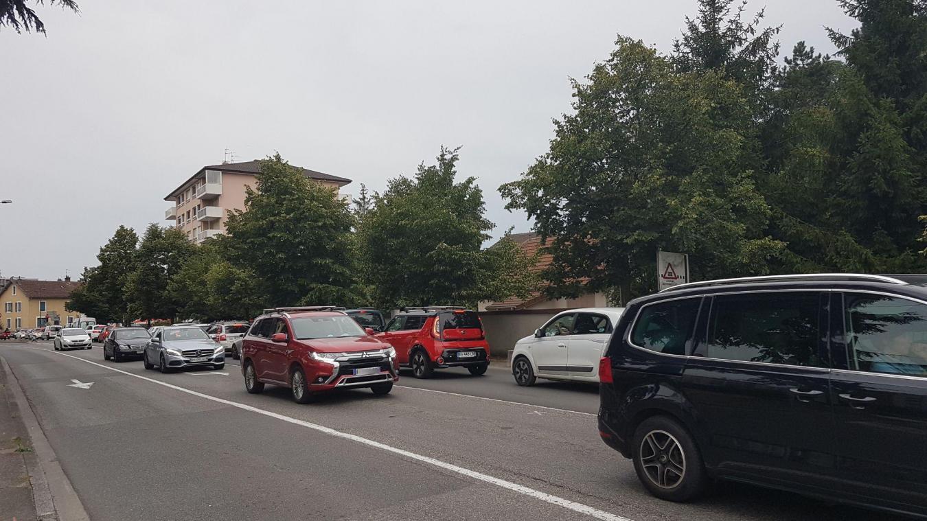 Saint-Julien victime d'une congestion du trafic routier.
