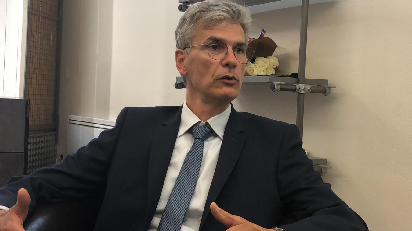 « La papeterie Pichon est 27 % moins chère », justifie Christophe Arminjon, maire de Thonon.