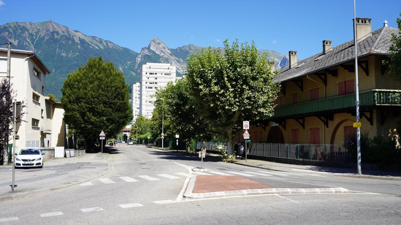 La déviation s'effectuera par la rue Marius Bonvin, avenue Jean Moulin puis rue Commandant Dubois.