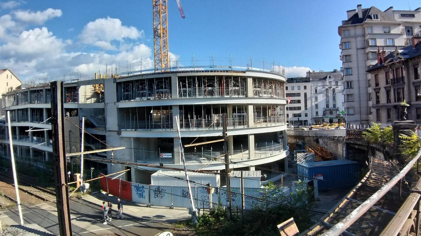 Les travaux en élévation sont arrêtés. Le parking Ravet ne comportera pas sept niveaux de stationnement.