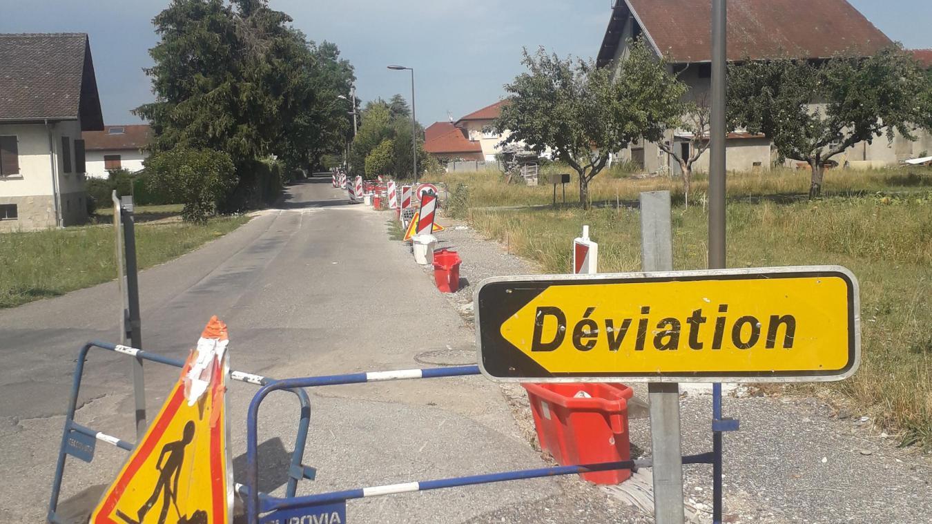 Rue des Chênettes, les travaux d'enfouissement des réseaux secs traînent en longueur