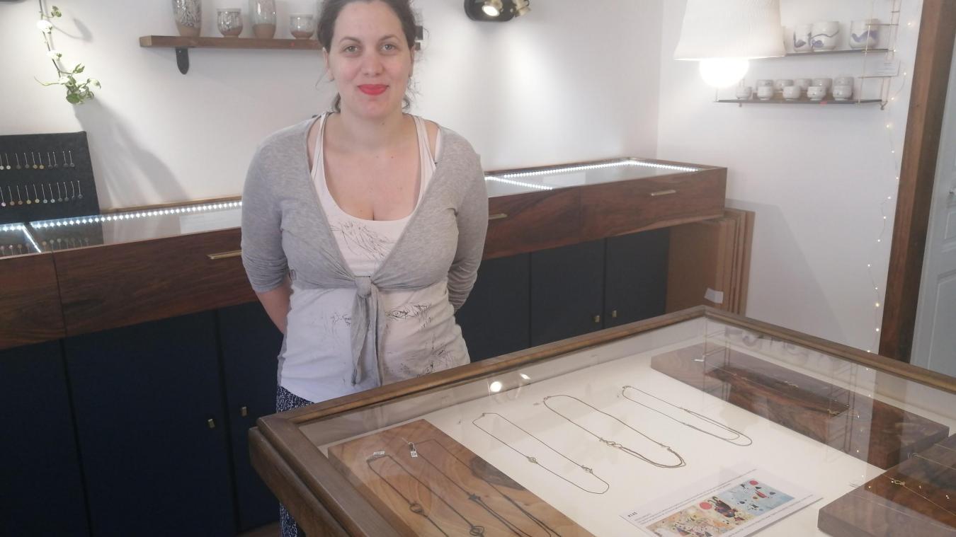 Comme les autres créateurs présents sur le parcours artistiques, la créatrice de bijoux Isabelle Géréec félicite de l'initiative.