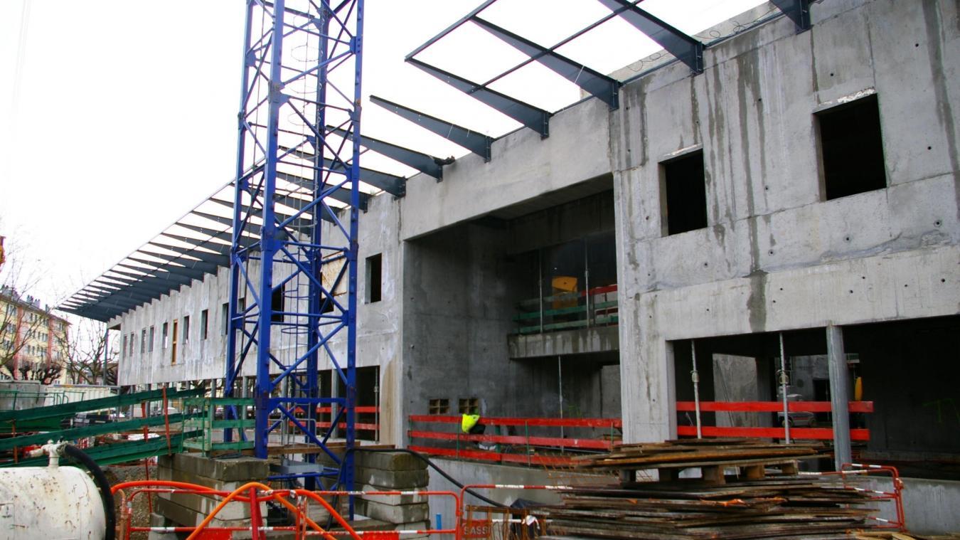 En mars 2009, il restait encore plus d'une année de travaux.