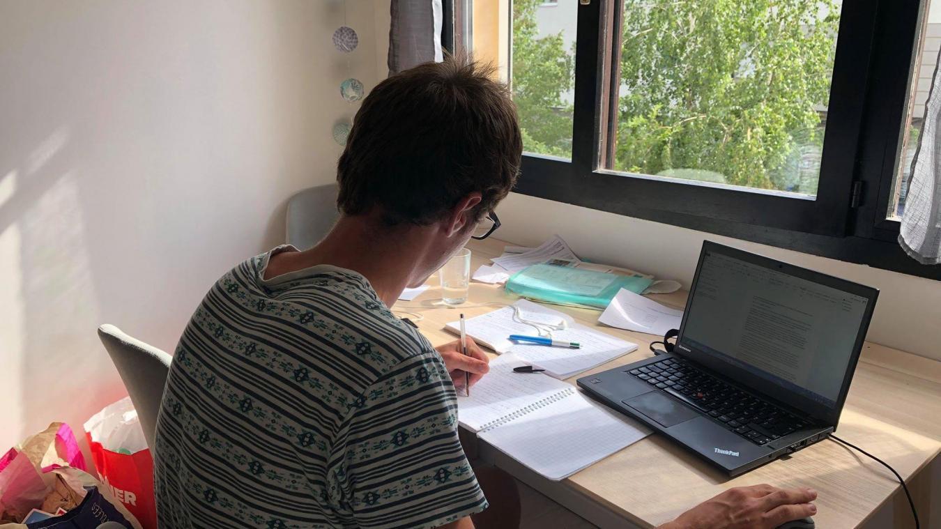 Télétravail des frontaliers : l'accord amiable franco-suisse prolongé jusqu'à la fin de l'année