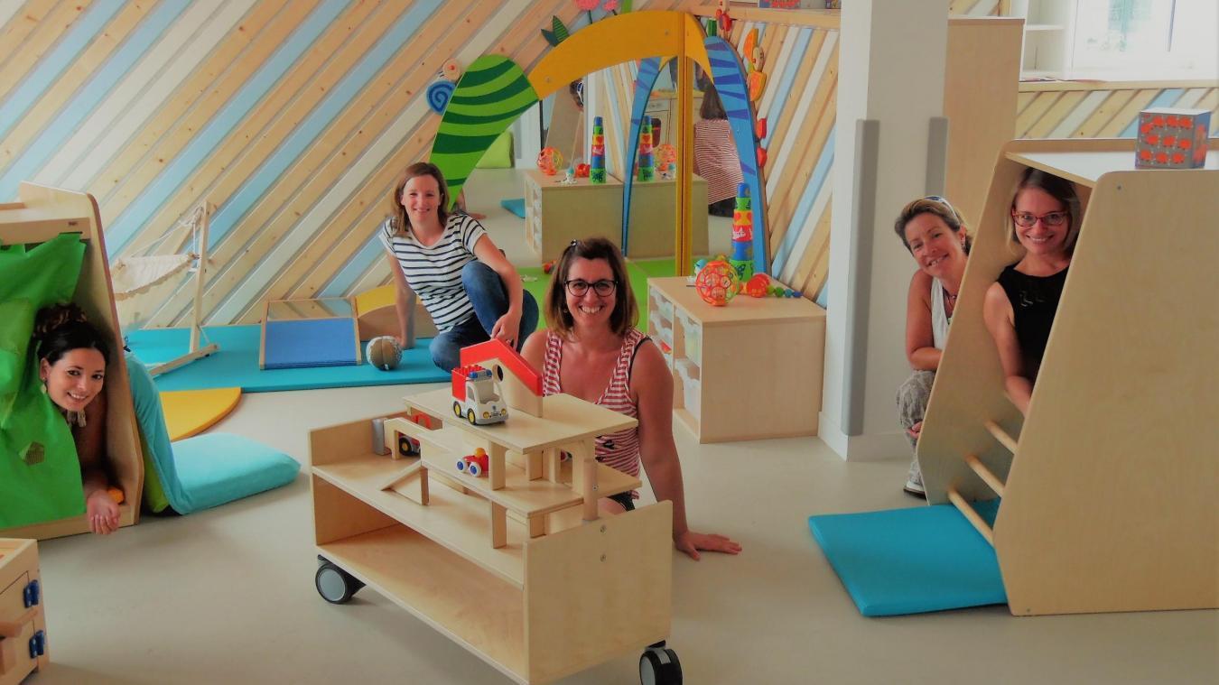 La micro-crèche Les Cabris a ouvert ses portes avec une équipe de choc composée de Annaëlle, Karine, Annabelle et de deux Julie.