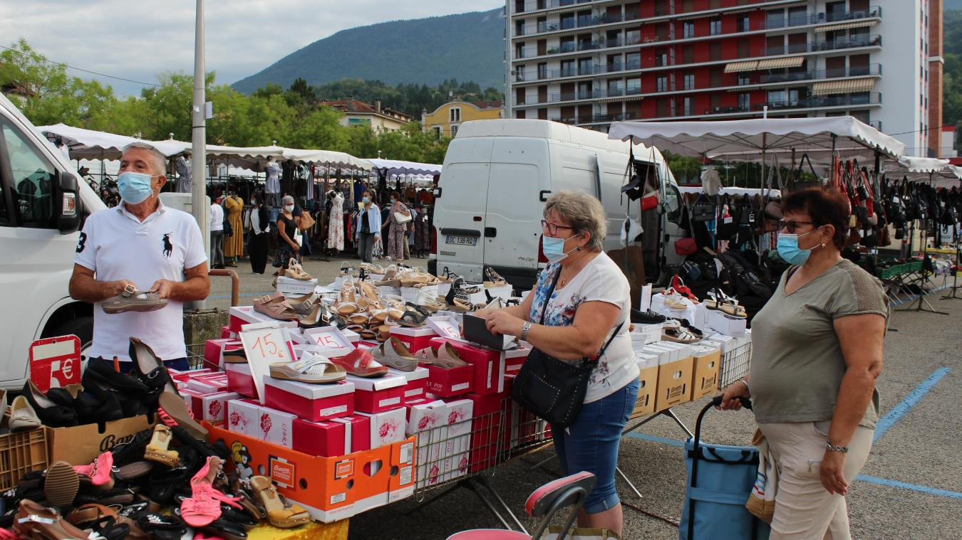 Valserhône : les habitants adhèrent au port du masque obligatoire sur le marché du jeudi