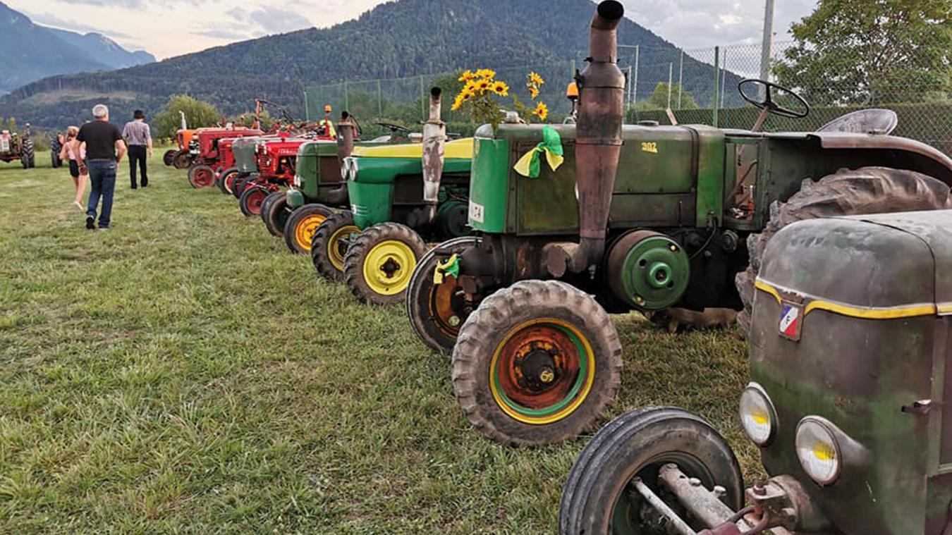 De vieux tracteurs ont été exposés lors du marché de Féternes.