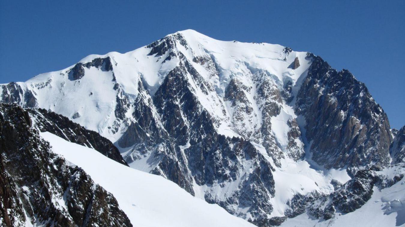 Mercredi 19 août, un homme de nationalité belge et âgé de 30 ans, a perdu la vie dans le Mont-Blanc, dans l'aiguille de la Bérangère après une chute de 250 mètres.