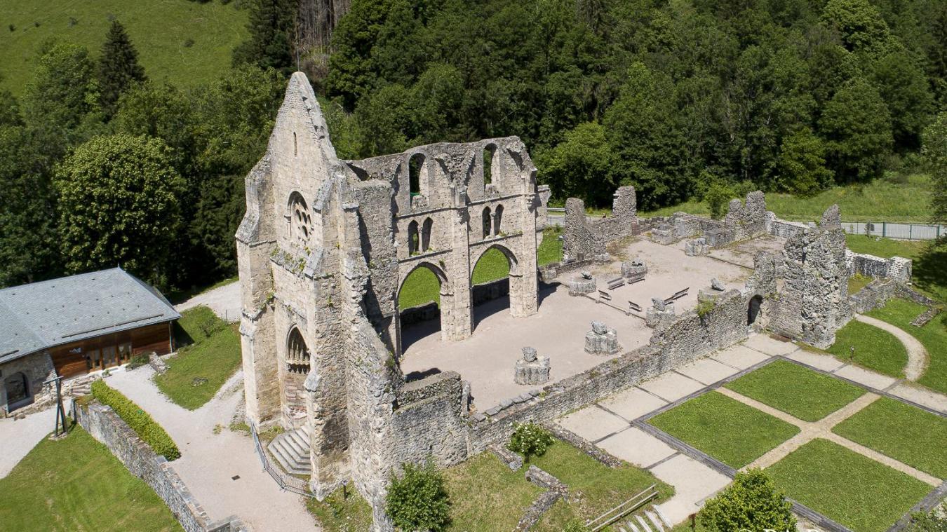 L'abbaye d'Aulps est une merveille architecturale.