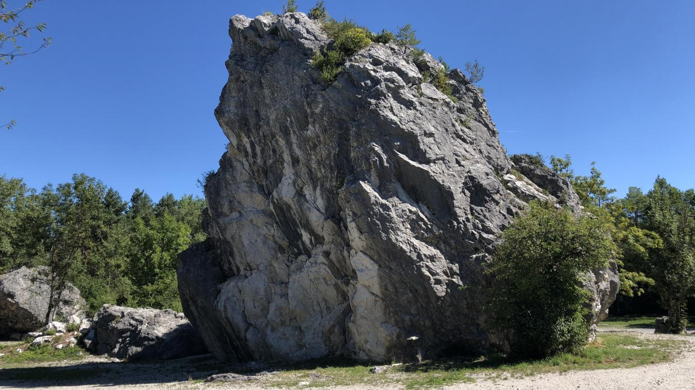 Afin de retrouver les blocs erratiques de la plaine des Rocailles, une petite balade s'impose entre les communes de Reignier et de Scientrier.