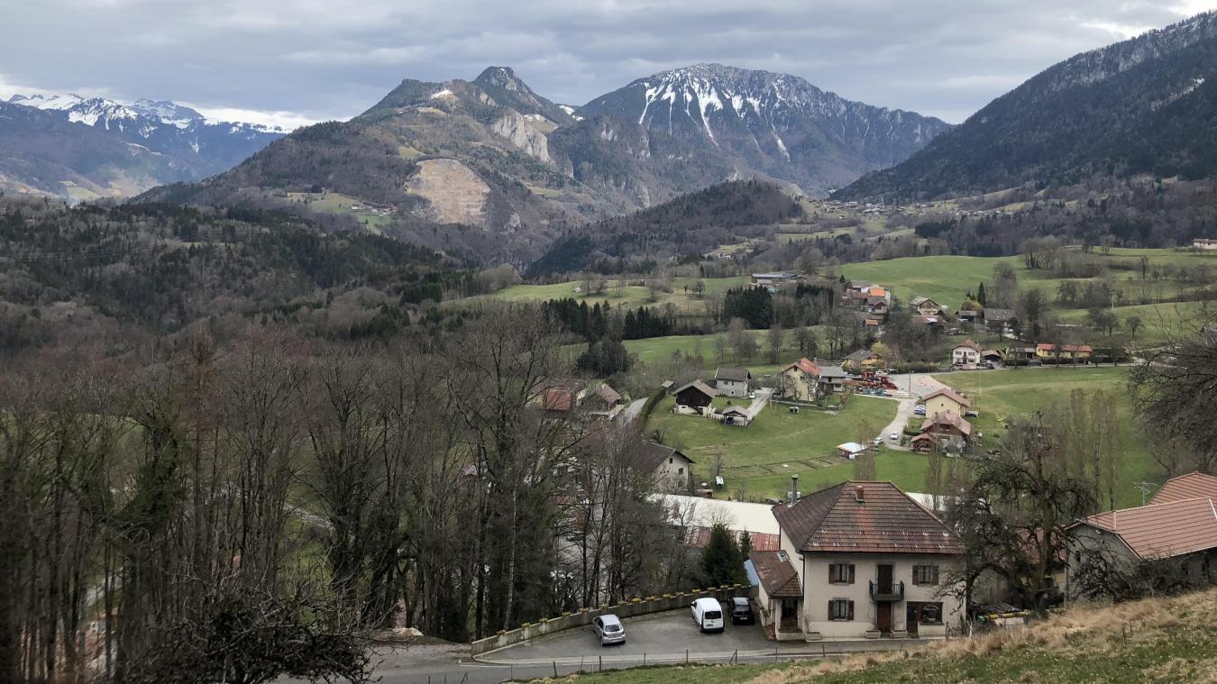Photographie prise en mars depuis le Bois de la Croix, lieu-dit où la Sagradranse a acquis un terrain d'un hectare.