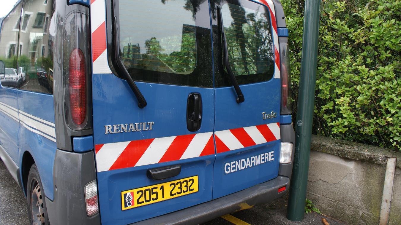 Les gendarmes ont dû intervenir pour arrêter l'automobiliste.