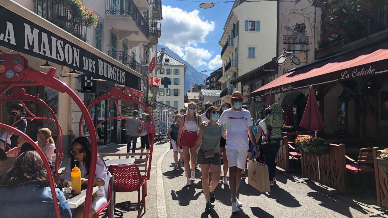 Le maire de Chamonix a annoncé le prolongement d'un mois de l'obligation de porter un masque en centre-ville.