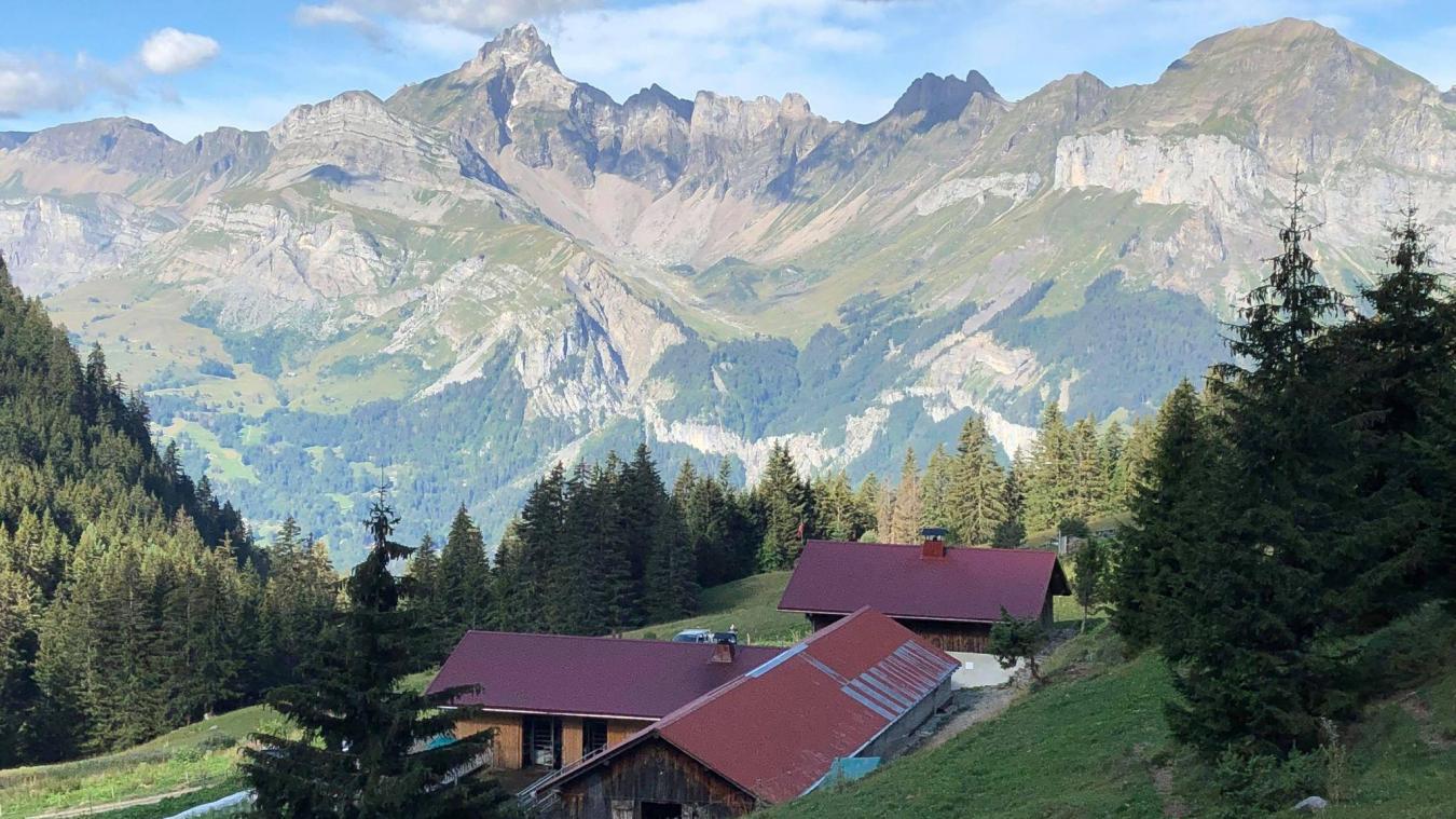 L'exploitation laitière avec transformation fromagère de l'alpage de Véran est flambant neuve.