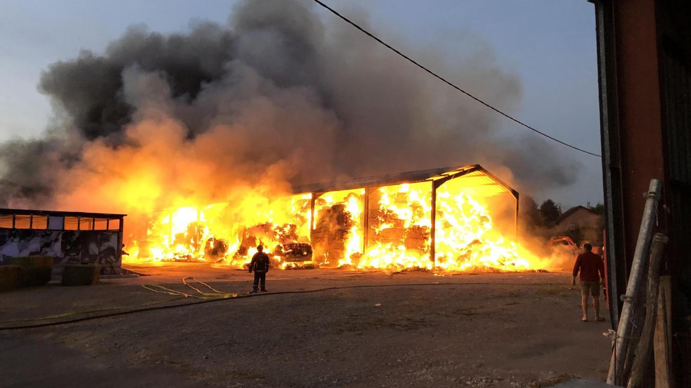 Un hangar de 1000 m2 a été entièrement détruit.