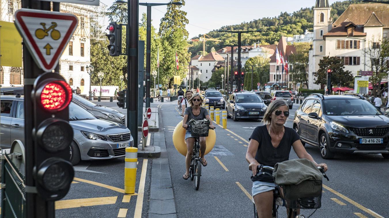 La Ville d'Annecy et les élus de la rive ouest ont décidé de ne pas conserver la voie bidirectionnelle quai Eustache-Chappuis à l'issue de sa phase de test.