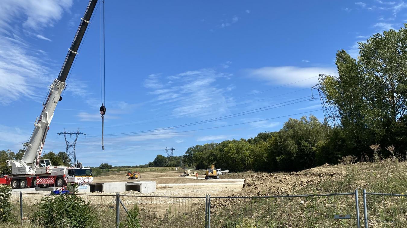Les travaux consistent à la création d'un bassin de rétention d'eaux pluviales.