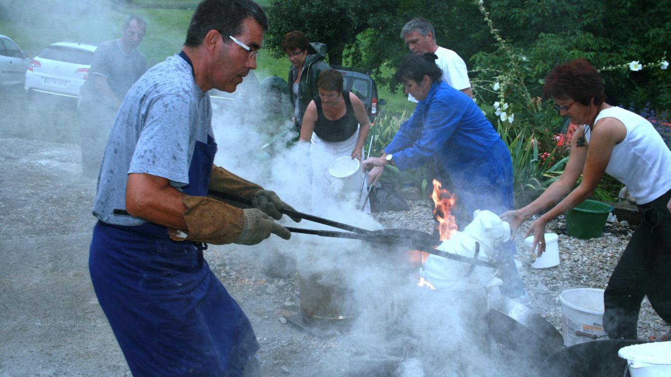 Le raku est une technique de cuisson très spectaculaire provenant du Japon.