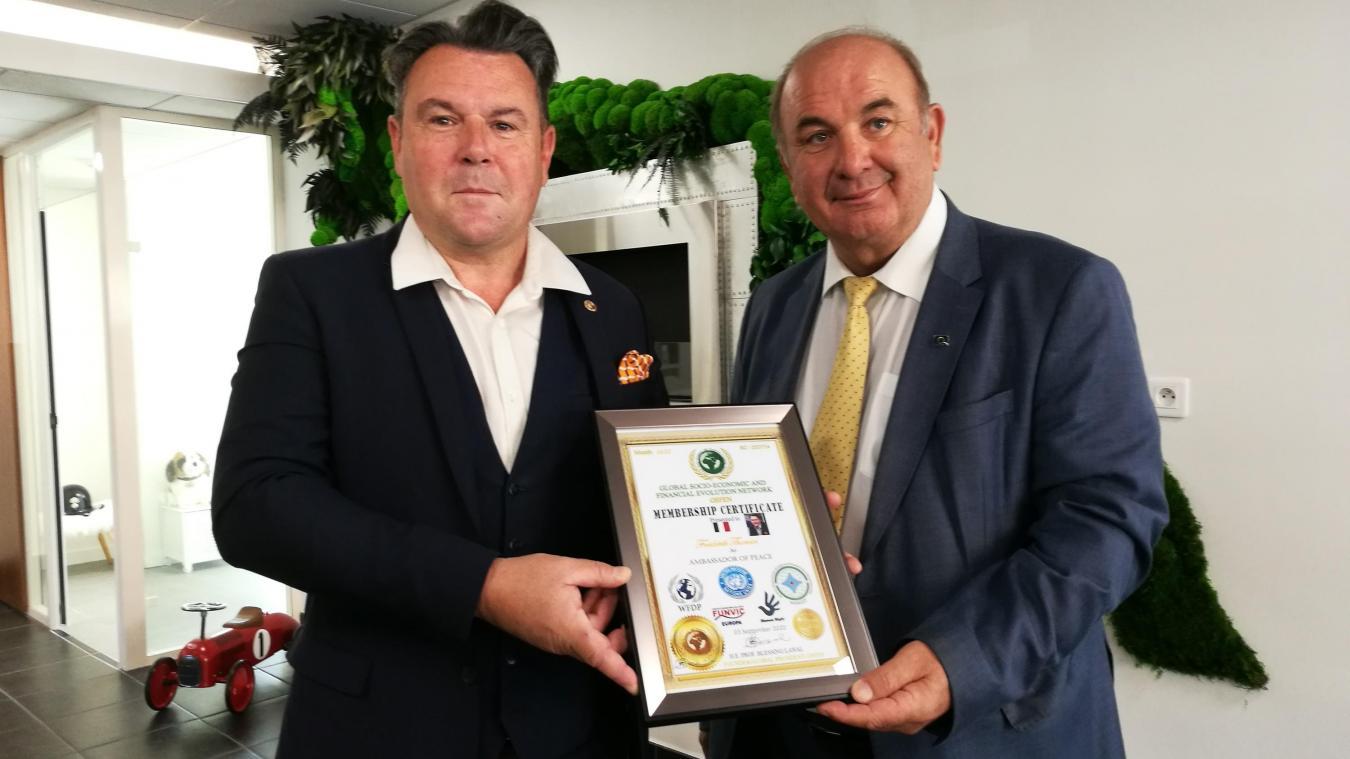 Marignier: Frédérik Thomin reçoit le titre honorifique d'ambassadeur pour la paix