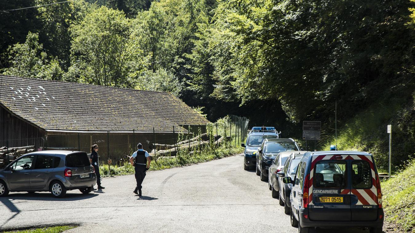 Après la découverte d'un corps sans vie dans la Combe de Chevaline, mercredi 2 septembre au matin, les gendarmes ont bouclé le périmètre.