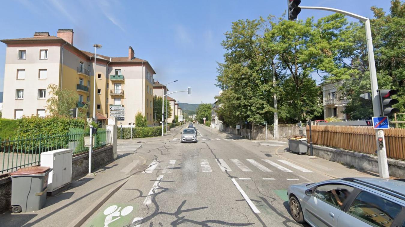 L'accident s'est produit à l'intersection de l'avenue de Lyon et du chemin du Biollay. Photo : capture d'écran Google.