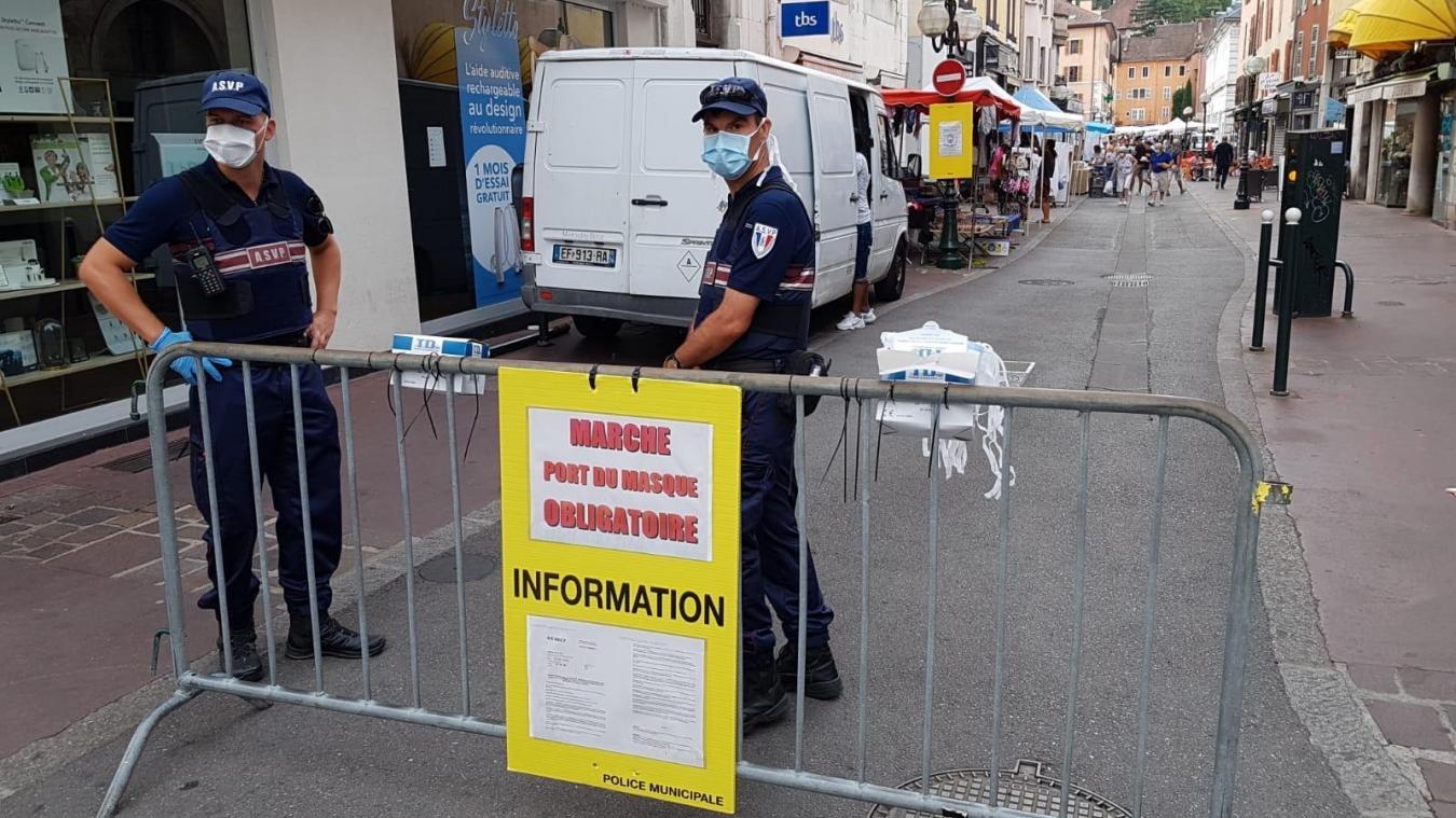 Le port du masque est obligatoire dans les rues de l'hyper-centre d'Annecy.