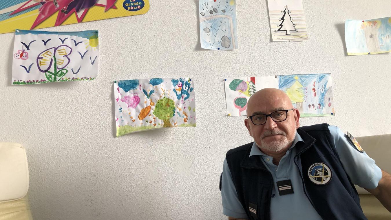 Le major Mariano est enquêteur Mélanie depuis 2004. C'est dans la salle éponyme qu'il a passé des heures à écouter des victimes d'agressions sexuelles.