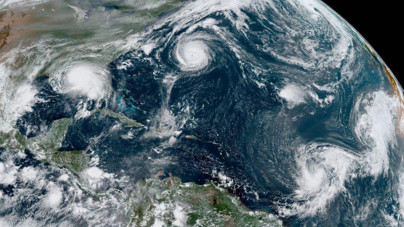 Actuellement, pour la deuxième fois de l'histoire, cinq cyclones tropicaux sont actifs entre l'Europe et l'Amérique. La dernière fois, c'était en 1971.