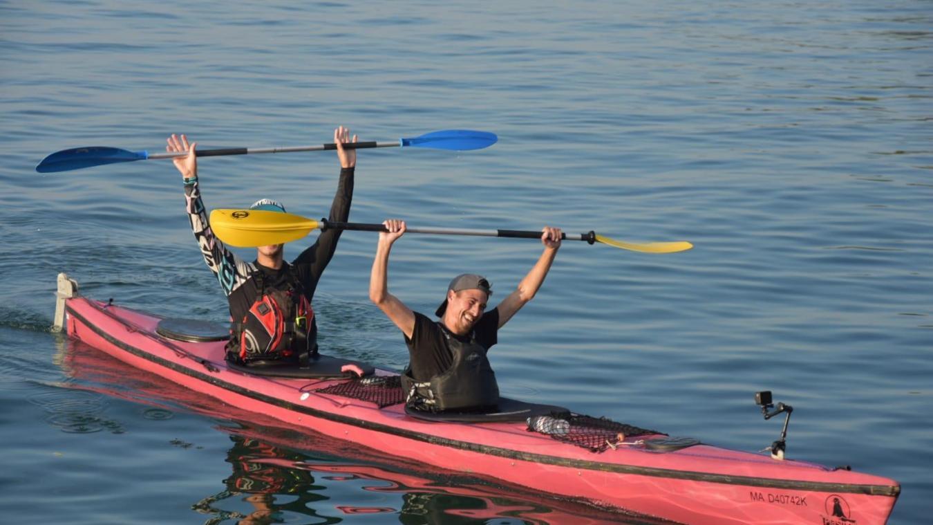 Cédric Commard et Johan Ghio à leur arrivée au port de Sciez.