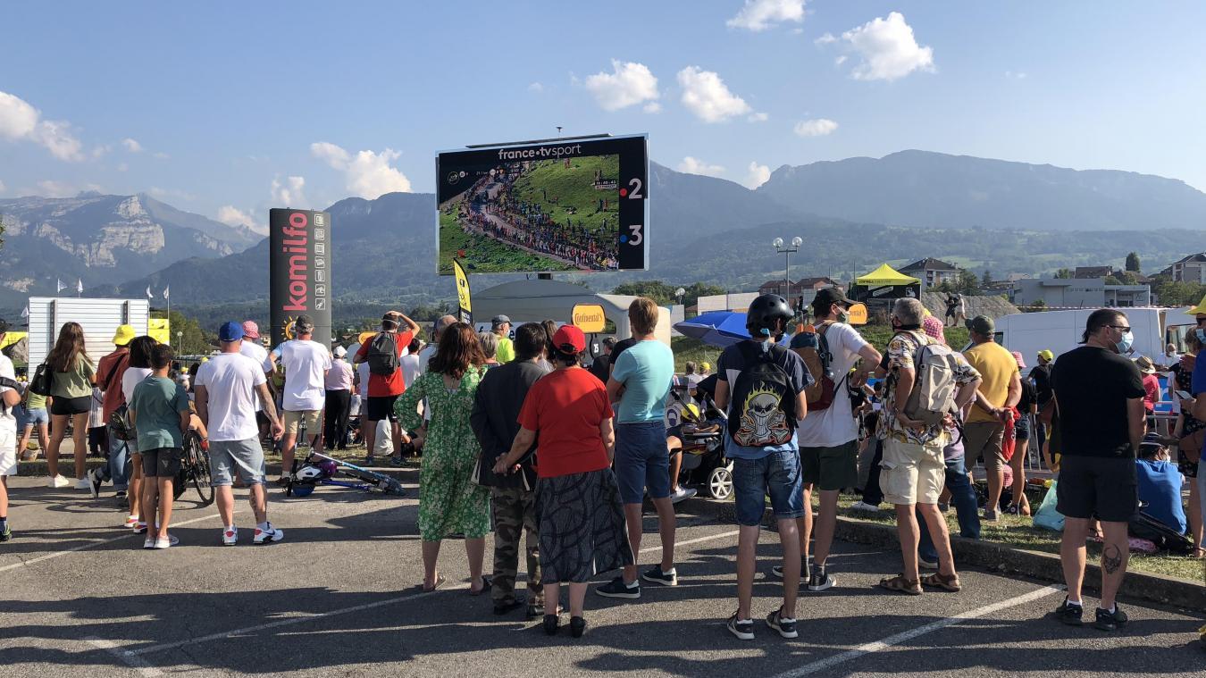 (PHOTOS &VIDEOS) La Roche-Sur-Foron : ambiance déjantée pour l'arrivée du Tour de France