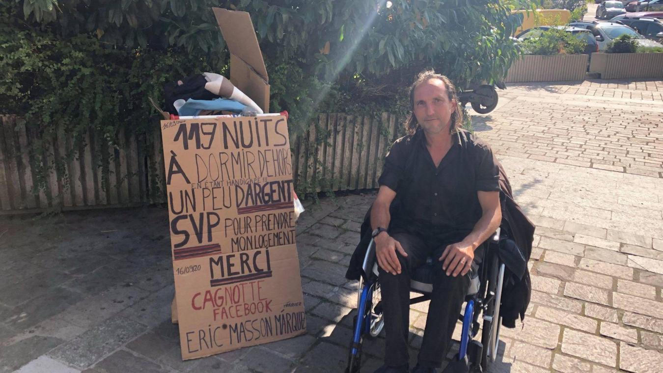 Éric Masson Márquez a créé une page Facebook afin de récolter des fonds pour trouver un logement.