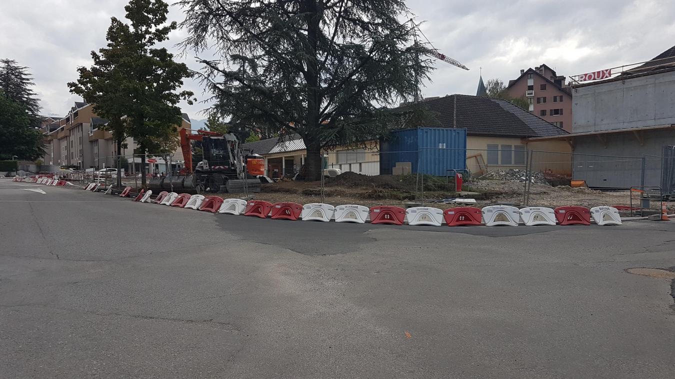 Les travaux de l'Ecole Prés-de-la-Fontaine et de la rue du Docteur-Palluel se poursuivent.