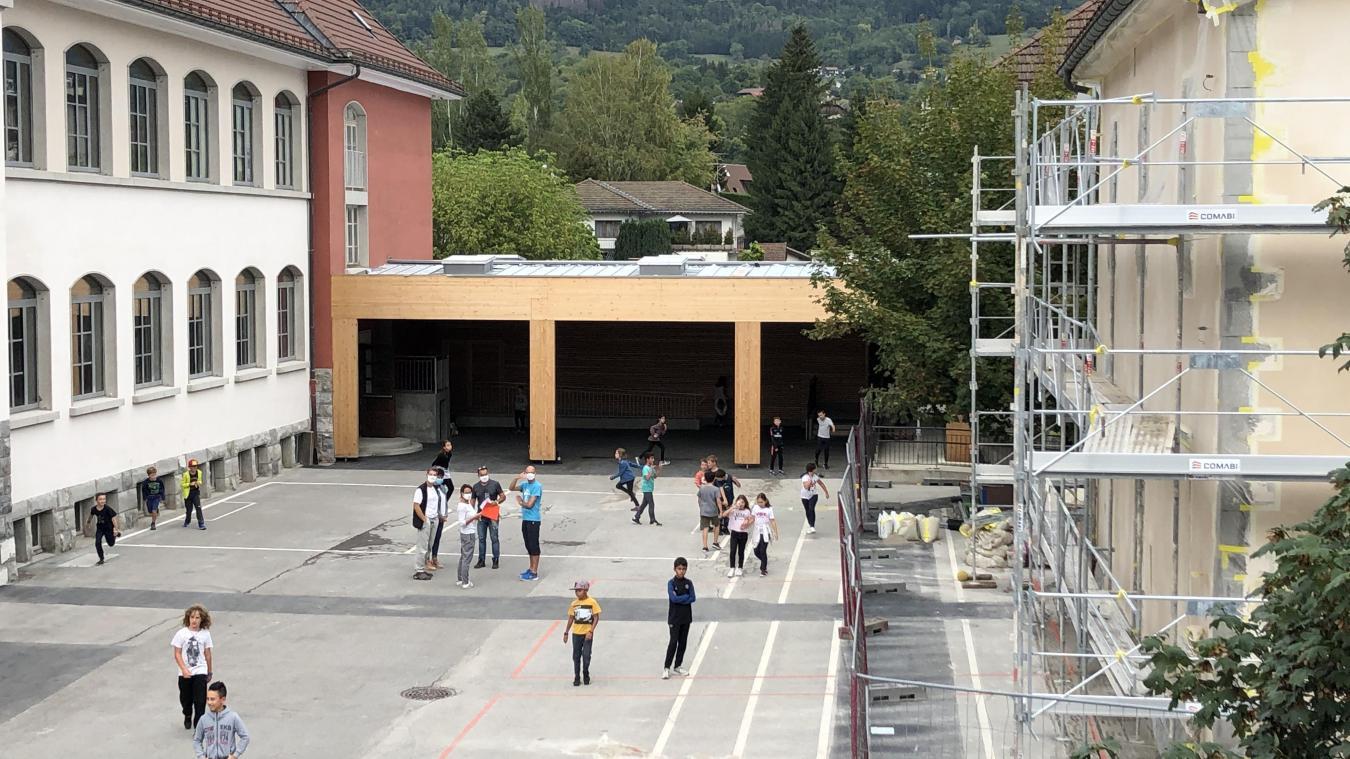 De l'école du Centre à l'Espace d'animation, en passant par la rue de l'Eglise, les travaux se poursuivent à Marignier...