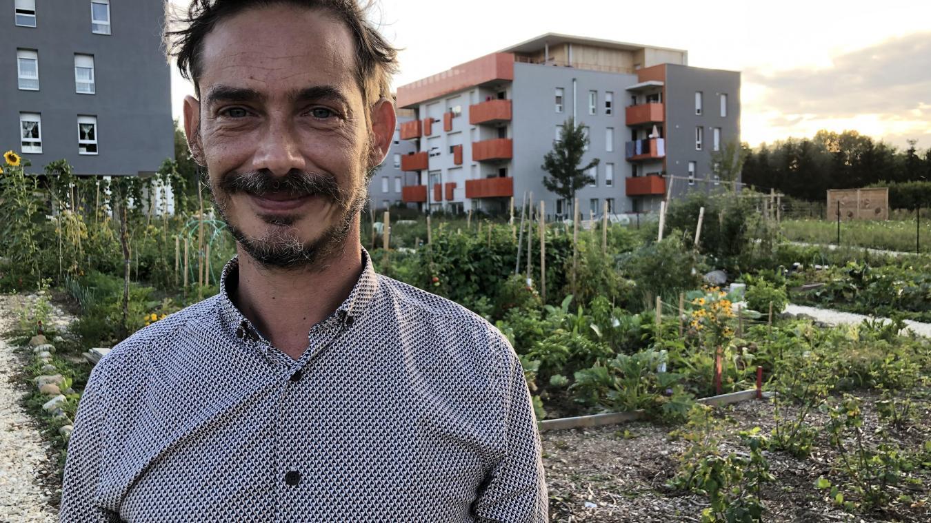 Multiplier les jardins familiaux, l'un des projets de Yannis Sauty, afin que les parents puissent y passer du temps avec leurs enfants plutôt que « d'être dans une galerie marchande ».