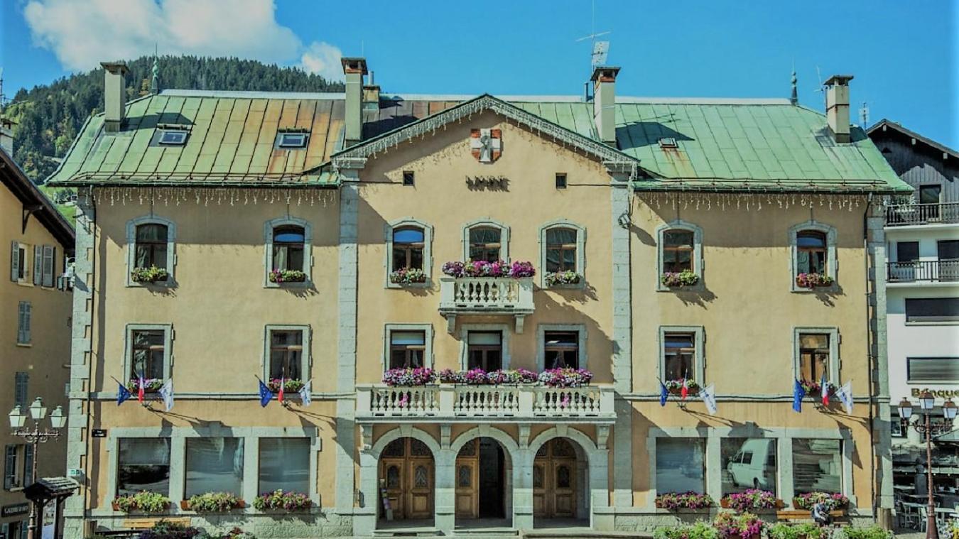 La mairie de Megève risque de s'effondrer et devra être évacuée avant décembre