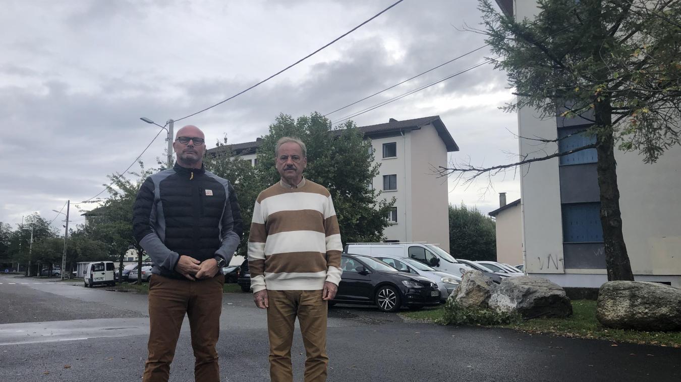 Gérard Bastian et Serge Delsante espèrent que cette caméra mettra fin aux incivilités dans le quartier.