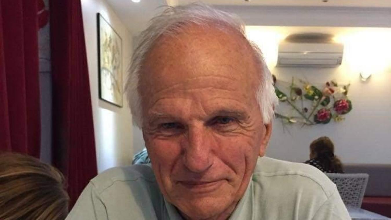 François Vallée, âgé de 79 ans, est atteint de la maladie d''Alzheimer.