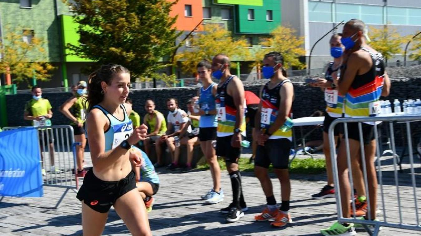 La championne de course à pied Elise Poncet est devenue championne de France de marathon en relais à six.