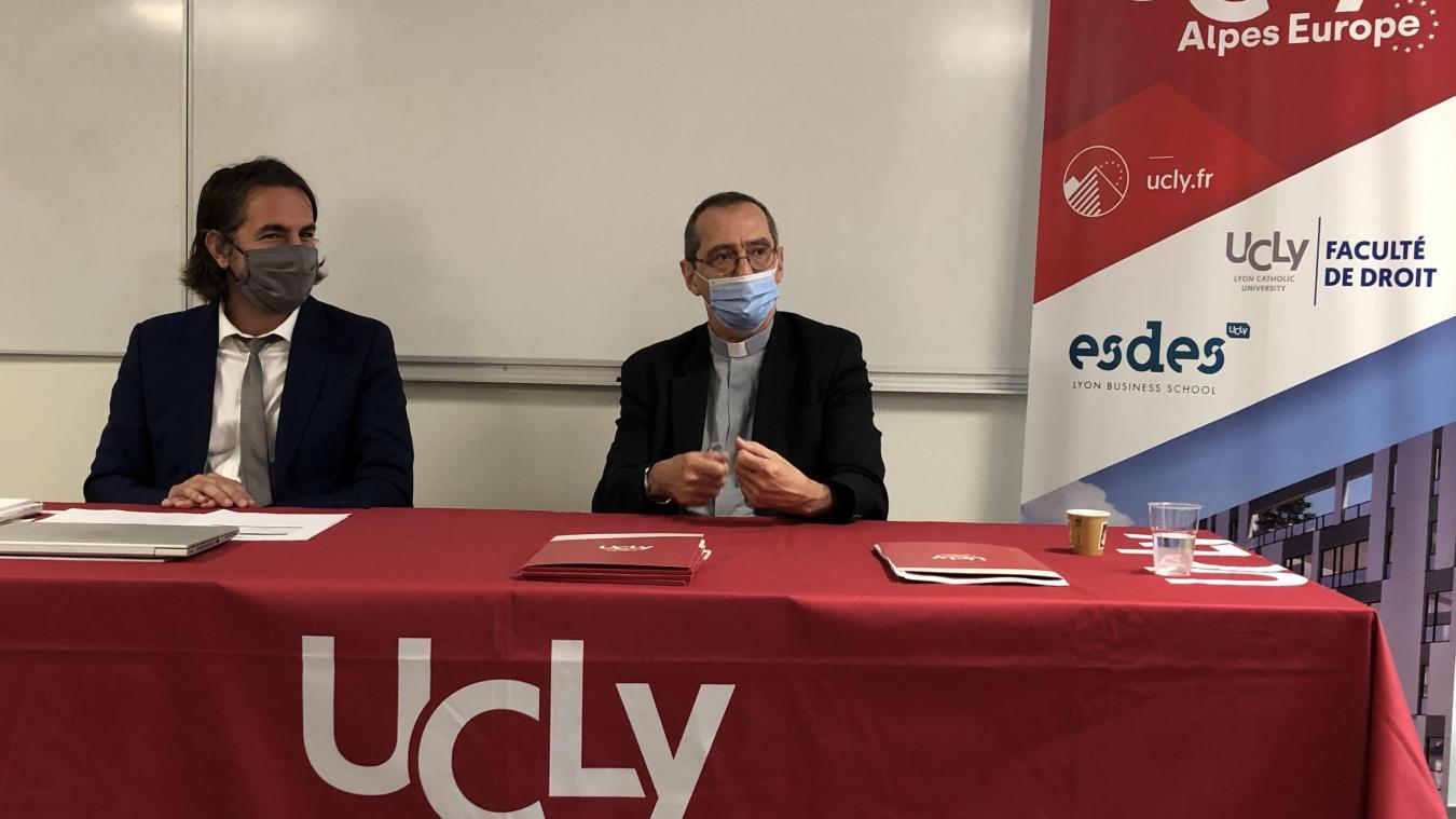 Un mois après la première rentrée universitaire de l'UCLy à Annecy, le directeur du site annécien Aurélien Eminet et le recteur Olivier Artus ont fait un point d'étape sur le projet du campus.
