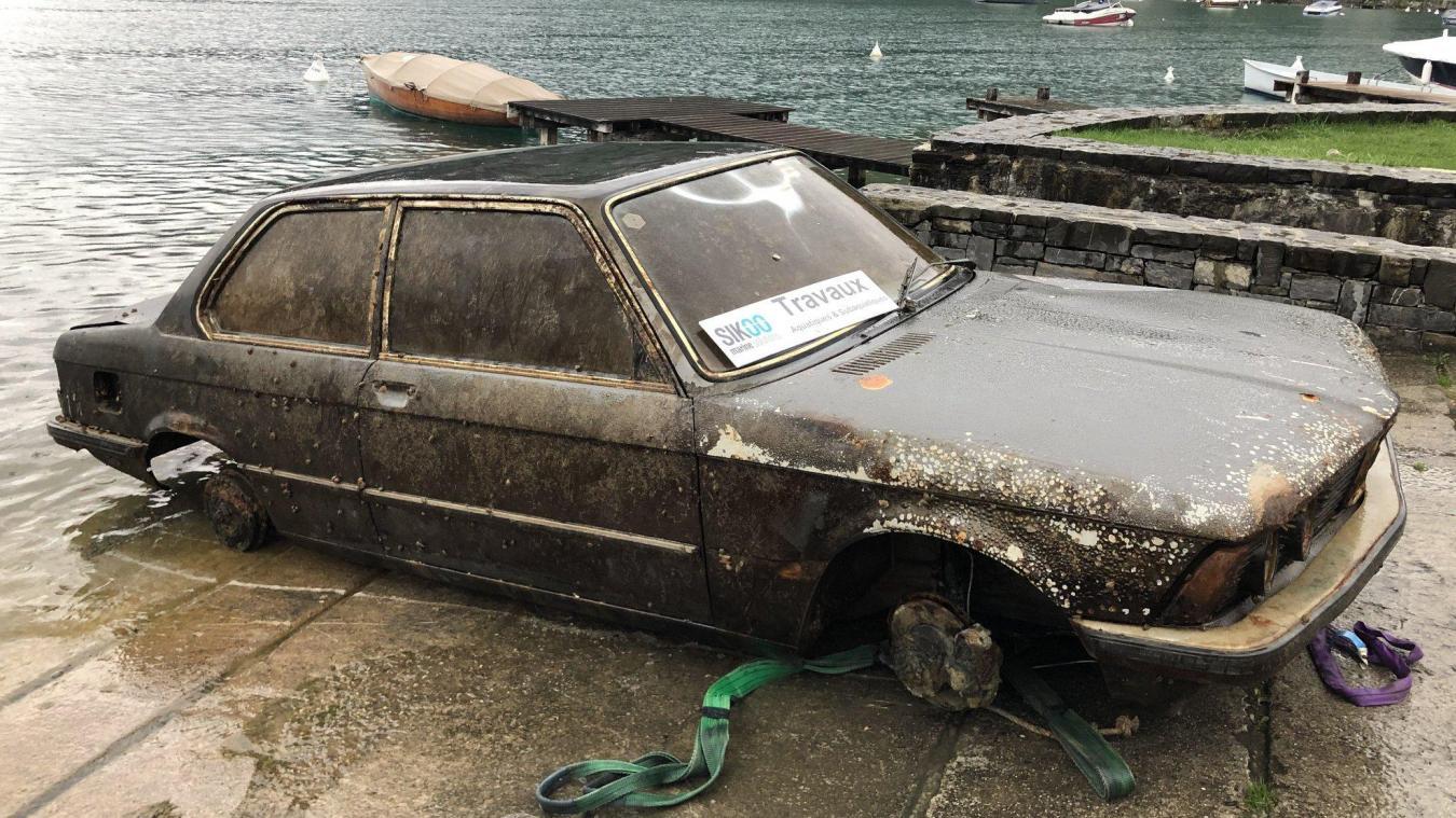 D'après une vignette auto retrouvée sur la voiture, mais peu lisible, l'ADEPT estime que la voiture aurait été mise à l'eau en 1981.