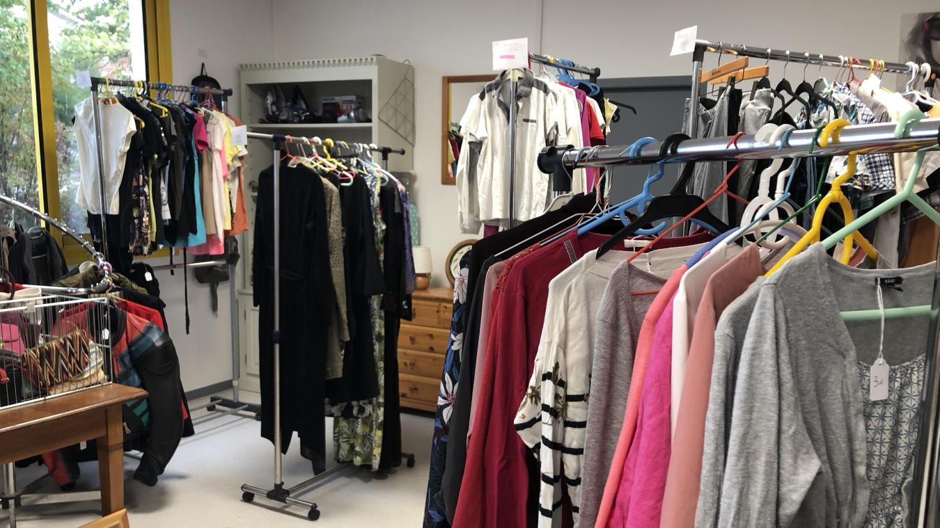 Des vêtements pour tout le monde, hommes, femmes, enfants...