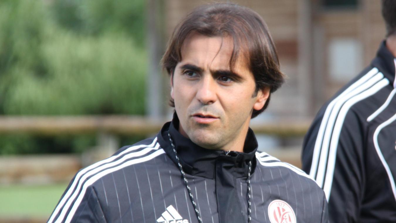 Âgé de 43 ans, Helder Esteves a été le coach du FC Annecy au temps où le club évoluait en N2.
