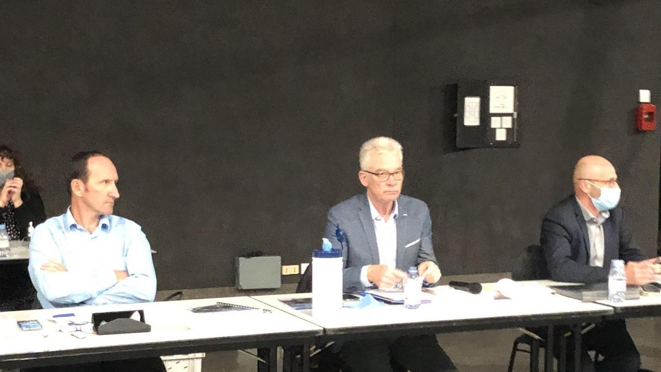 Jean-marc Peillex appellent les exploitants de l'abattoir à redresser la situation.